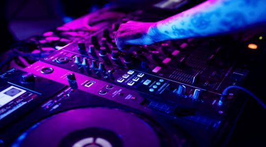 Jeden Samstag DJ NINEDEGREE