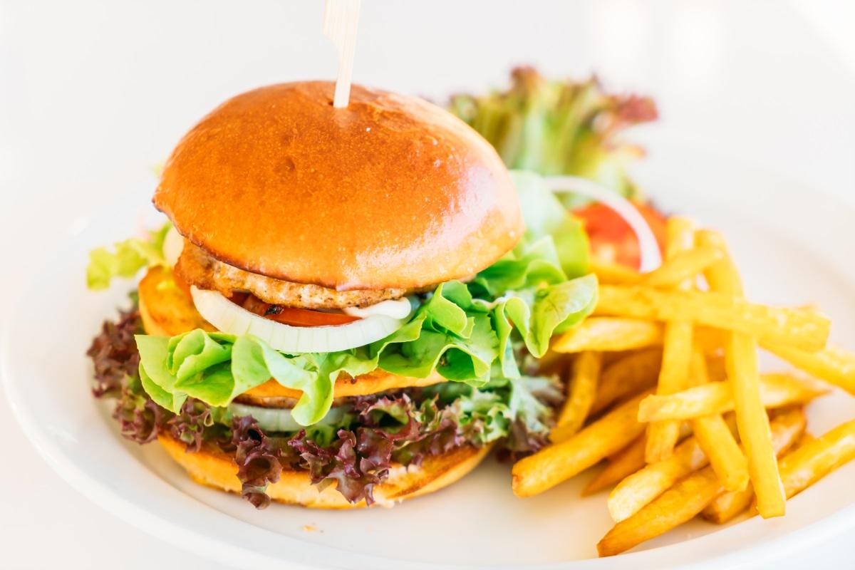 Selective focus point on Hamburger – Vintage filter